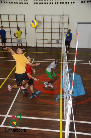 Volley2013natiosel rz